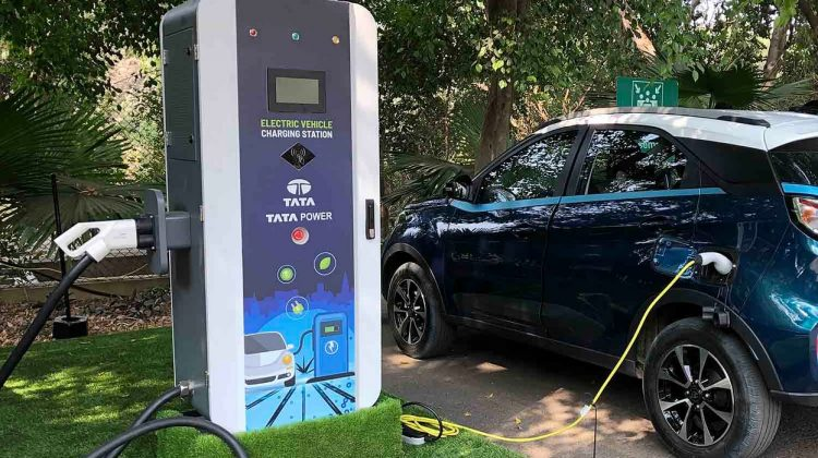 Tata Power Tie Up With HPCL For Install EV Charging Station  :